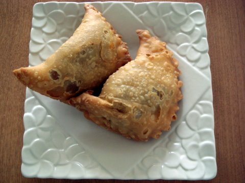 Curry Puffs.jpg